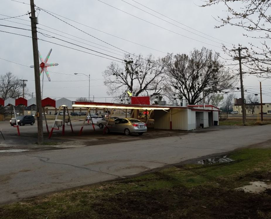 Petes Drive In Picture 1